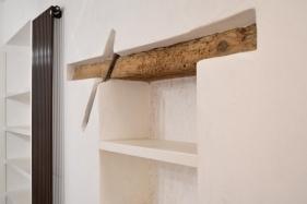 particolare lavatura dei legni e calce